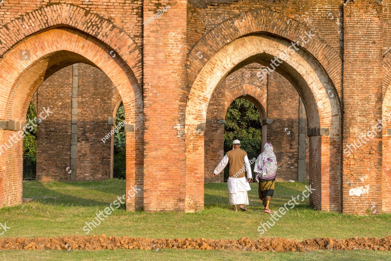 আদিনা মসজিদ